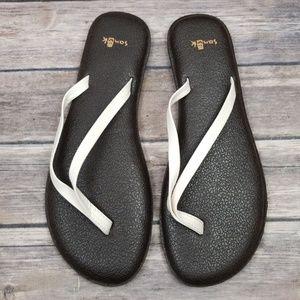Sanuk Shoes - Sanuk yoga flip flop white
